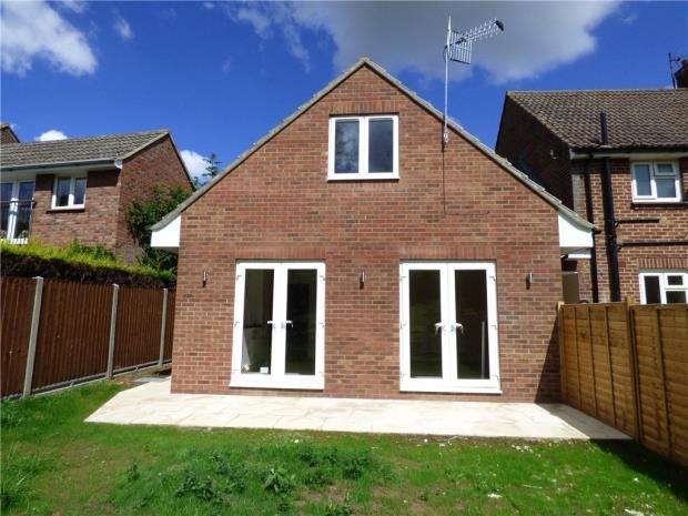 3 Bedrooms Bungalow for sale in High Street, Wilden