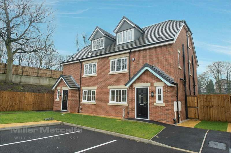 4 Bedrooms Semi Detached House for sale in Green Lane / Manchester Road, Great Lever, Bolton, Lancashire