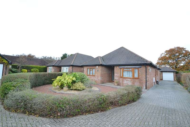 3 Bedrooms Detached Bungalow for sale in Three Legged Cross