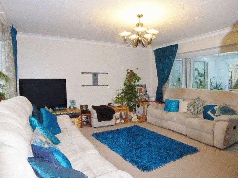 3 Bedrooms Semi Detached House for sale in Martins Mount, Barnet