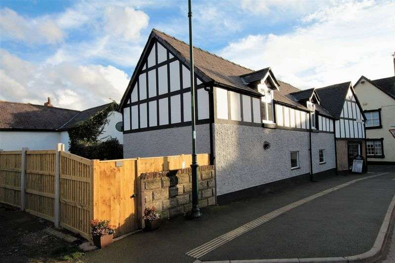 4 Bedrooms House for sale in Wynnstay Road, Ruthin