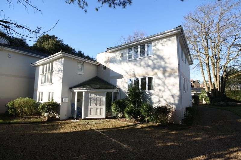 4 Bedrooms Detached House for sale in Avon Beach