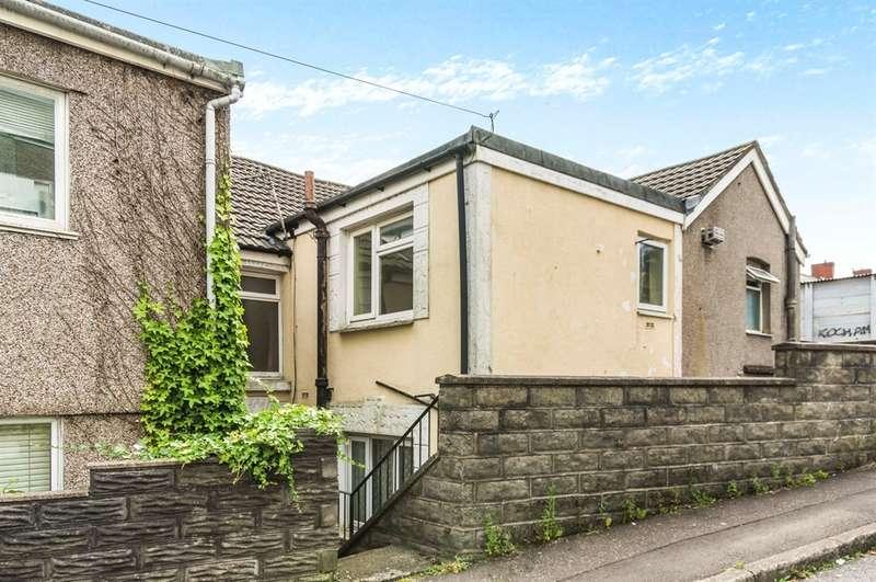 3 Bedrooms Terraced House for sale in Carmarthen Road, Cwmbwrla, Swansea