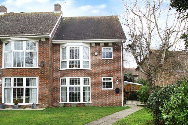3 Bedrooms End Of Terrace House for sale in Paddock Green, Rustington, West Sussex, BN16