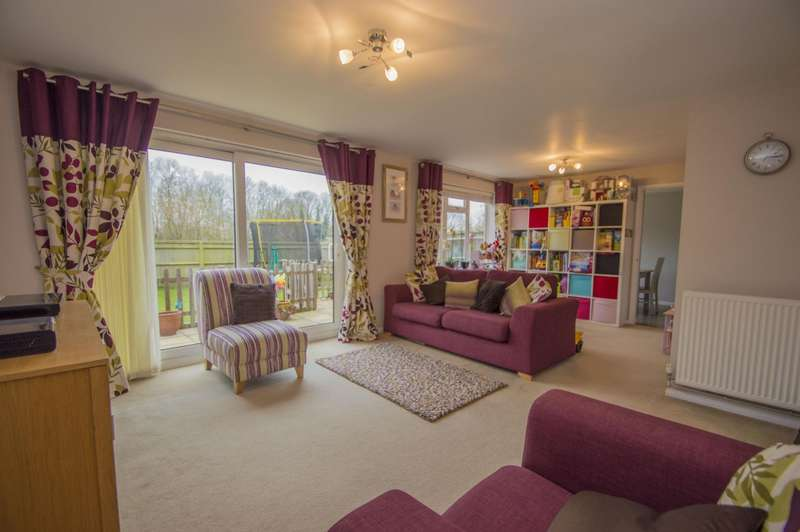 4 Bedrooms Detached House for sale in Kings Orchard, Brightwell-Cum-Sotwell, Wallingford, OX10