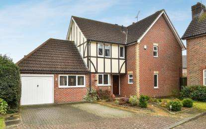 4 Bedrooms Detached House for sale in Winnipeg Drive, Green Street Green, Orpington