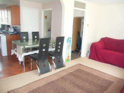 3 Bedrooms Maisonette Flat for sale in Haldane Close, Muswell Hill