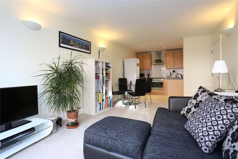 1 Bedroom Apartment Flat for sale in Drapers Court, 59 Lurline Gardens, SW11