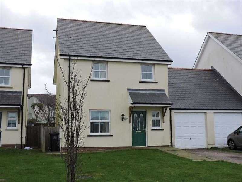 3 Bedrooms Property for sale in Maes Waldo, Fishguard