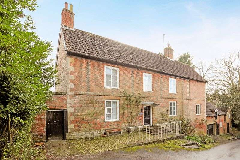 5 Bedrooms Detached House for sale in Potterne, Devizes, Wiltshire, SN10 5NF