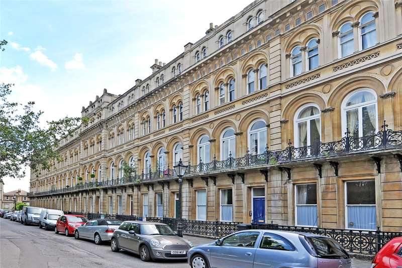 2 Bedrooms Flat for sale in Victoria Square, Clifton, Bristol, BS8