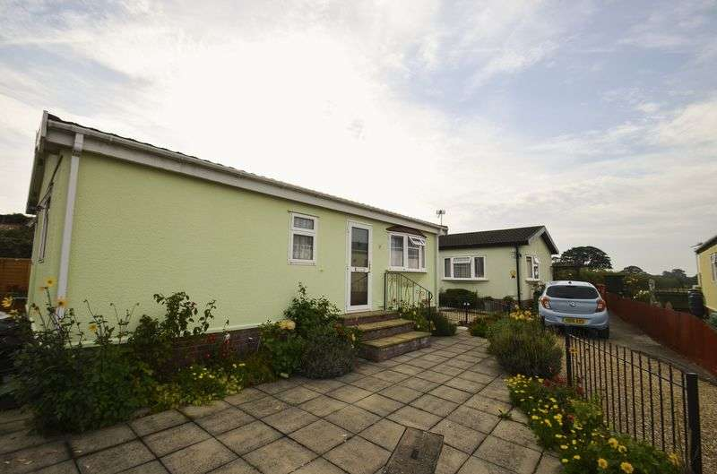 2 Bedrooms Property for sale in Pilley, Lymington