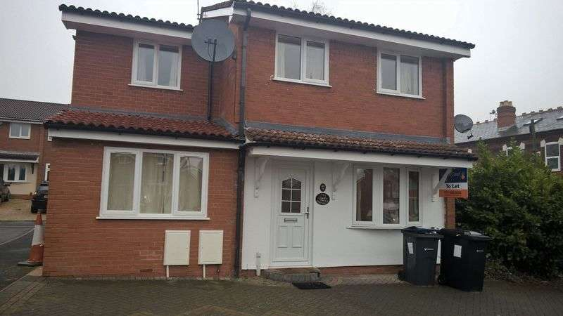 6 Bedrooms Detached House for rent in Heeley Road, Selly Oak, Birmingham B29 6EZ