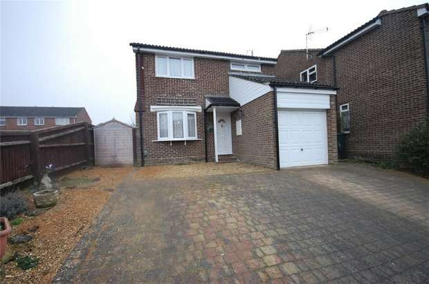 3 Bedrooms Detached House for sale in Thackeray End, Aylesbury, Buckinghamshire