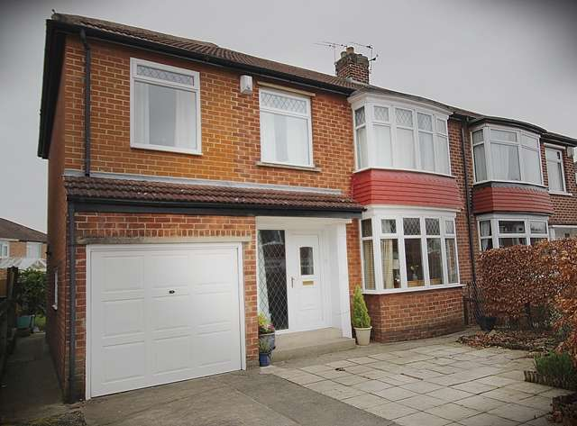 5 Bedrooms Semi Detached House for sale in Seamer Grove Hartburn Stockton-On-Tees