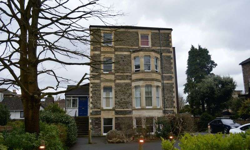 3 Bedrooms Flat for rent in Goodeve Road, Sneyd Park