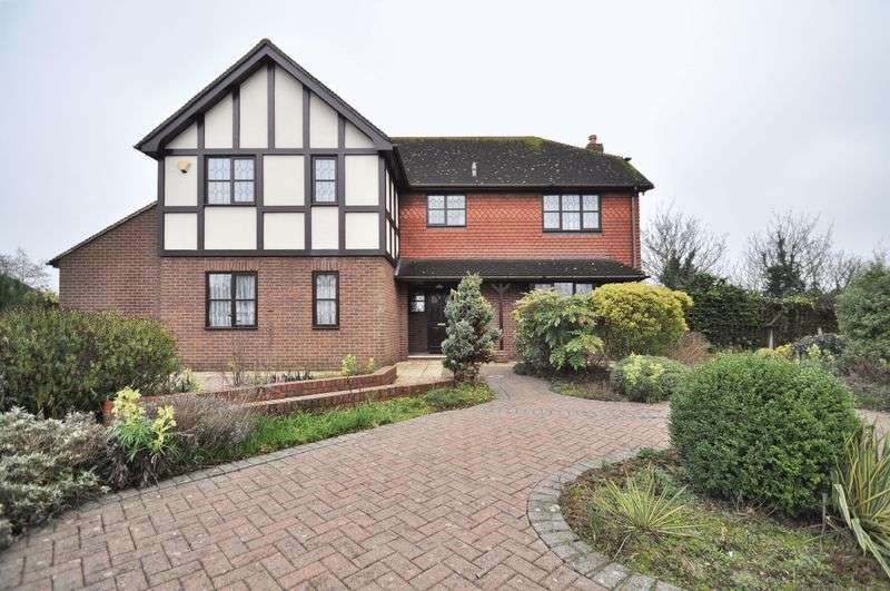 5 Bedrooms Detached House for sale in Chaucer Park, Dartford