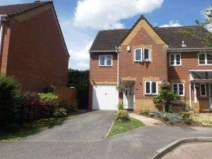 3 Bedrooms Semi Detached House for sale in Linfield Copse, Thakeham, Pulborough, West Sussex