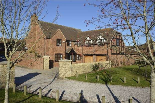5 Bedrooms Detached House for sale in Twyning, Tewkesbury, Gloucestershire, GL20 6EN
