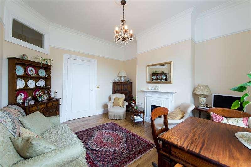 2 Bedrooms Flat for sale in Wellesley Mansions, Edith Villas, West Kensington, W14