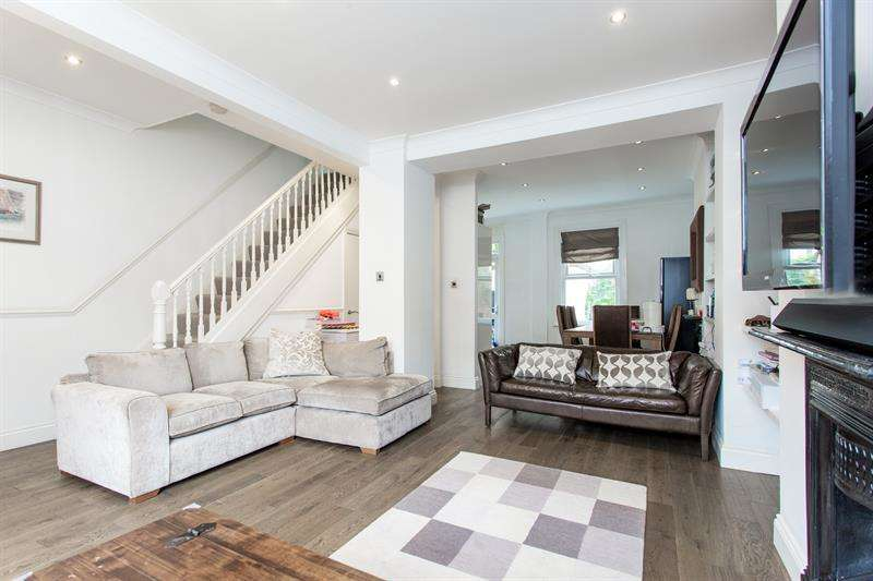 3 Bedrooms Terraced House for sale in Adelaide Grove, Shepherds Bush, W12