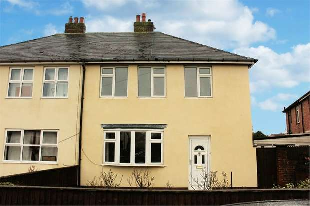 3 Bedrooms Semi Detached House for sale in Fleetwood Road, Fleetwood, Lancashire