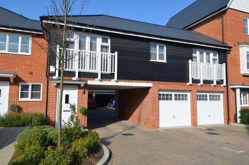 2 Bedrooms Flat for sale in Chenille Drive, High Wycombe, HP11