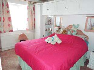 3 Bedrooms Bungalow for sale in Malthouse Road, Selsey, Chichester, West Sussex