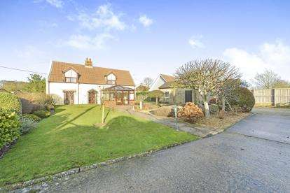 4 Bedrooms Detached House for sale in Shalfleet, Newport, Isle Of Wight