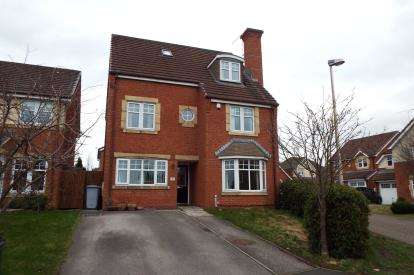 Detached House for sale in Barnato Close, Leighton, Crewe, Cheshire