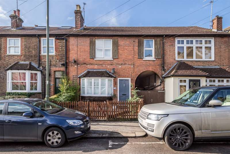 4 Bedrooms Terraced House for sale in Somerset Road, Redhill, Surrey, RH1