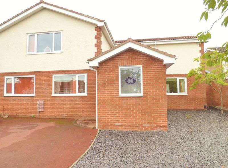 4 Bedrooms Detached House for sale in Hylton Road, TS26 0AG