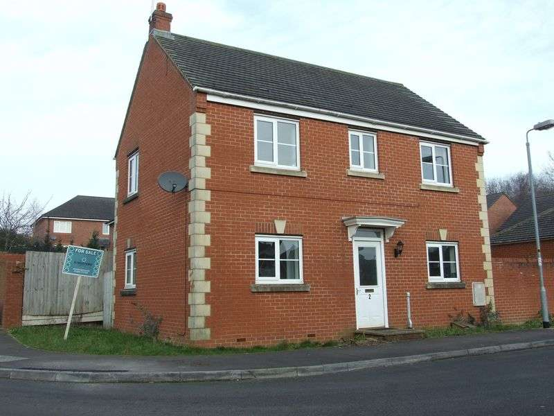3 Bedrooms Detached House for sale in Paxmans Road, Westbury