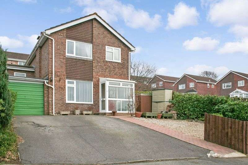 4 Bedrooms Detached House for sale in Queens Close, Kingsteignton