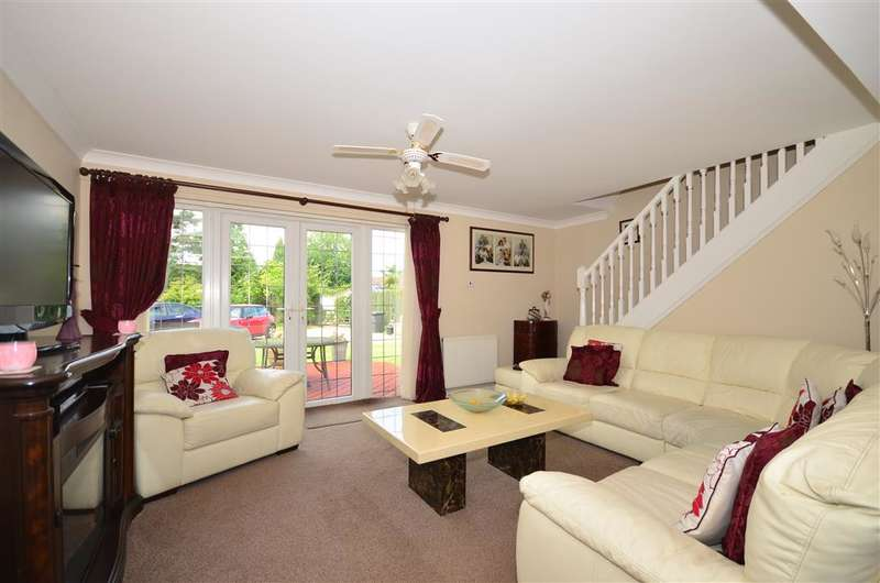 4 Bedrooms Bungalow for sale in Teston Road, Offham, West Malling, Kent