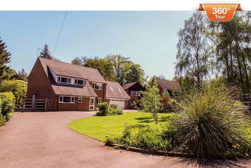 5 Bedrooms Detached House for sale in Hollies Close, Clifton