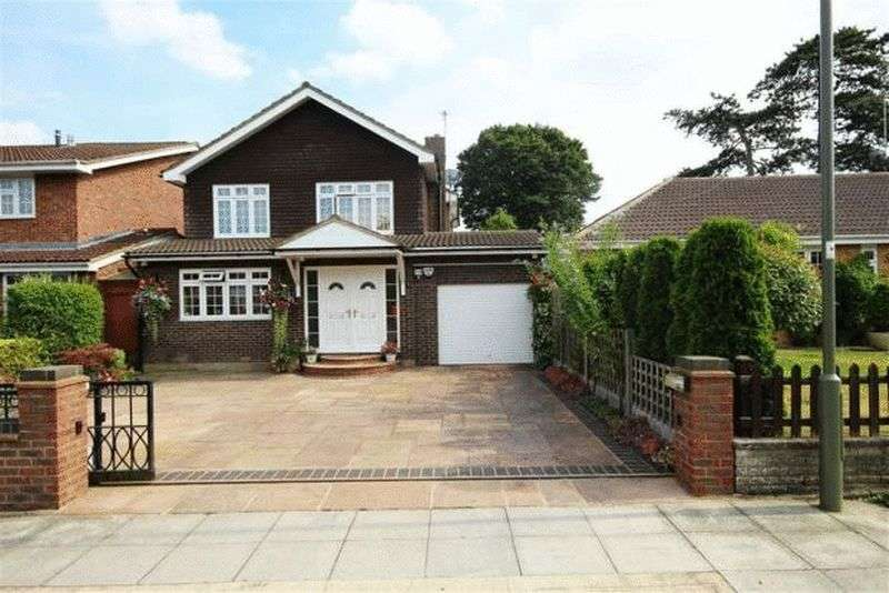 4 Bedrooms Detached House for sale in Rockways, Arkley, EN5