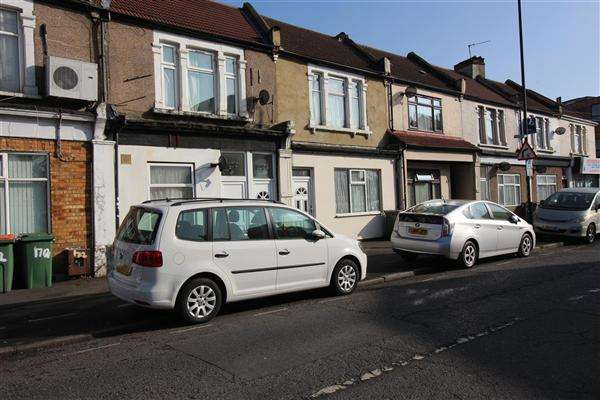 2 Bedrooms Apartment Flat for sale in Katherine Road, East Ham