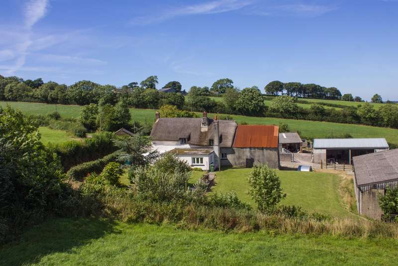 3 Bedrooms Farm House Character Property for sale in Northlew, Okehampton