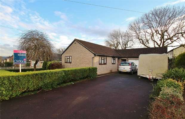 3 Bedrooms Detached Bungalow for sale in The Deans, Portishead, North Somerset