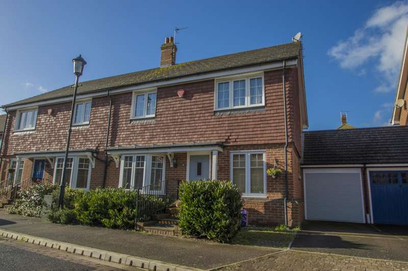 3 Bedrooms Semi Detached House for sale in Barley Close, Wallingford, OX10