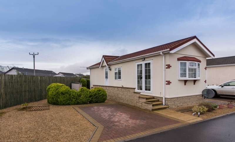 2 Bedrooms Park Home Mobile Home for sale in Ashgrove Park, Elgin, Moray, IV30 1UT