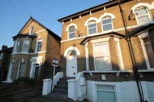 1 Bedroom Maisonette Flat for sale in Gilmore Road, Lewisham, London