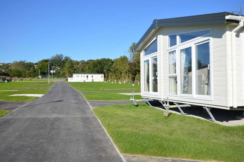 2 Bedrooms Lodge Character Property for sale in Tarka Holiday Park, Braunton Rd, Ashford, Barnstaple