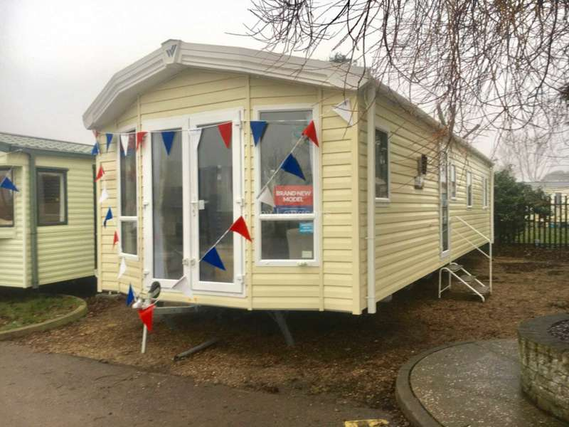 3 Bedrooms Caravan Mobile Home for sale in Seawick Holiday Park, Beach Road, St Osyth, Nr Clacton-On-Sea