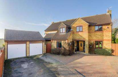 5 Bedrooms Detached House for sale in Cartmel Close, Bletchley, Milton Keynes
