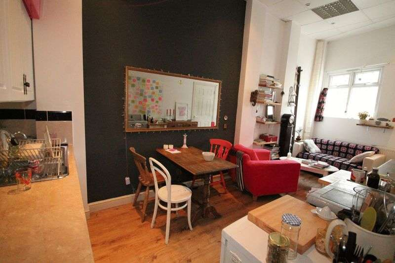 1 Bedroom Flat for sale in Clarence Road, E5