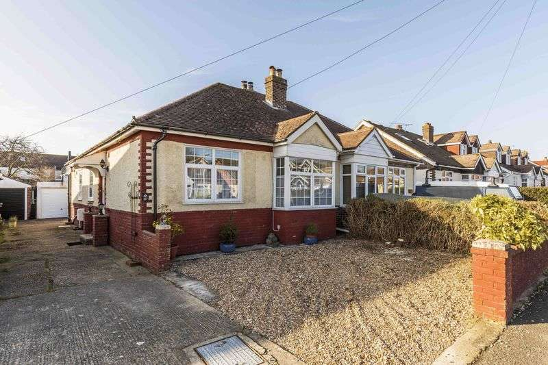 2 Bedrooms Semi Detached Bungalow for sale in Gordon Road, Emsworth