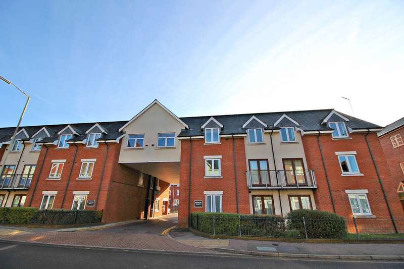 2 Bedrooms Ground Flat for sale in Sanders Place, Walsworth Road, HITCHIN, SG4