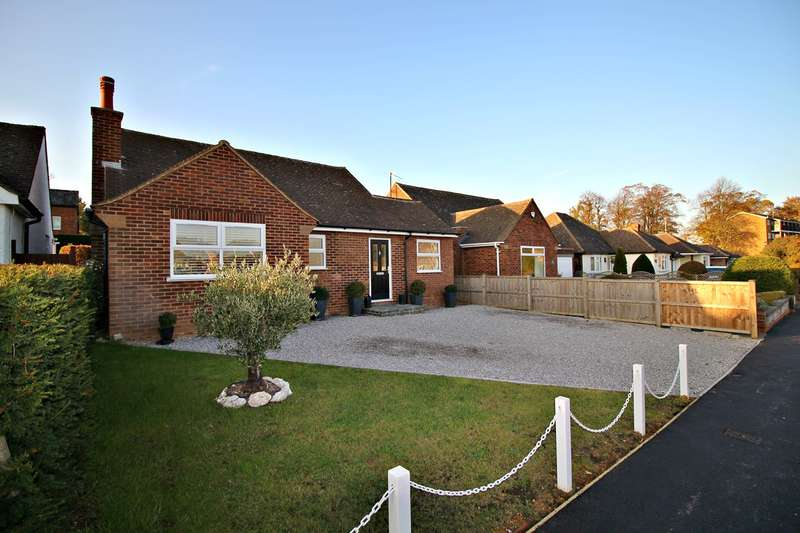 2 Bedrooms Detached Bungalow for sale in Meadow Way, Hitchin, SG5